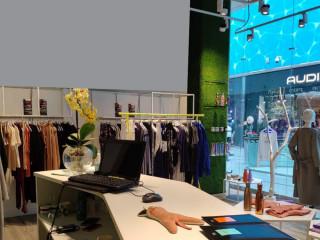 18f7ea56506 Доходный магазин спортивной и женской одежды