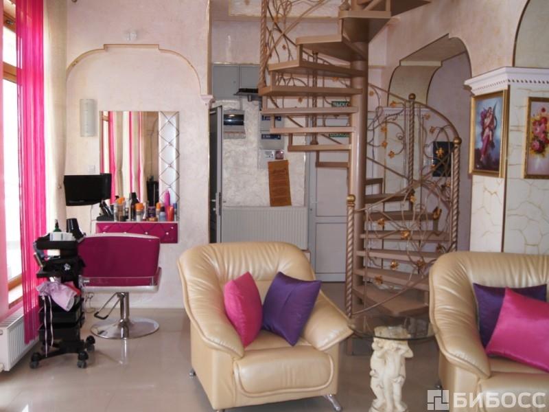 Лучшие салоны красоты на васильевском