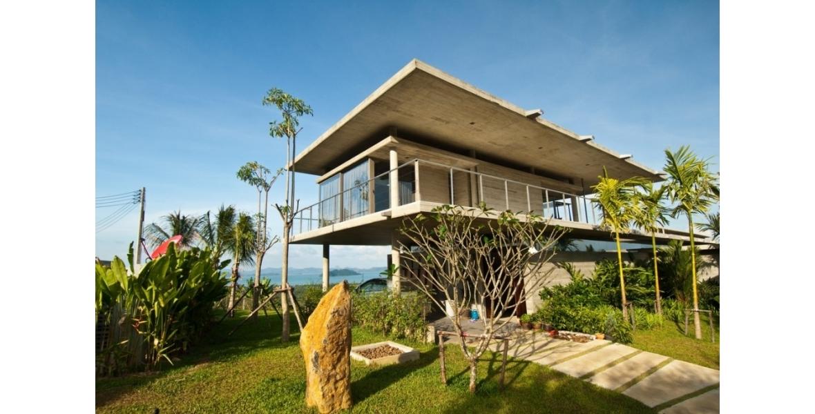 House in Massa on the coast