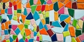 Мозаичная плитка из пластиковых бутылок