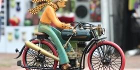 Шарф-подушка безопасности для велосипедистов