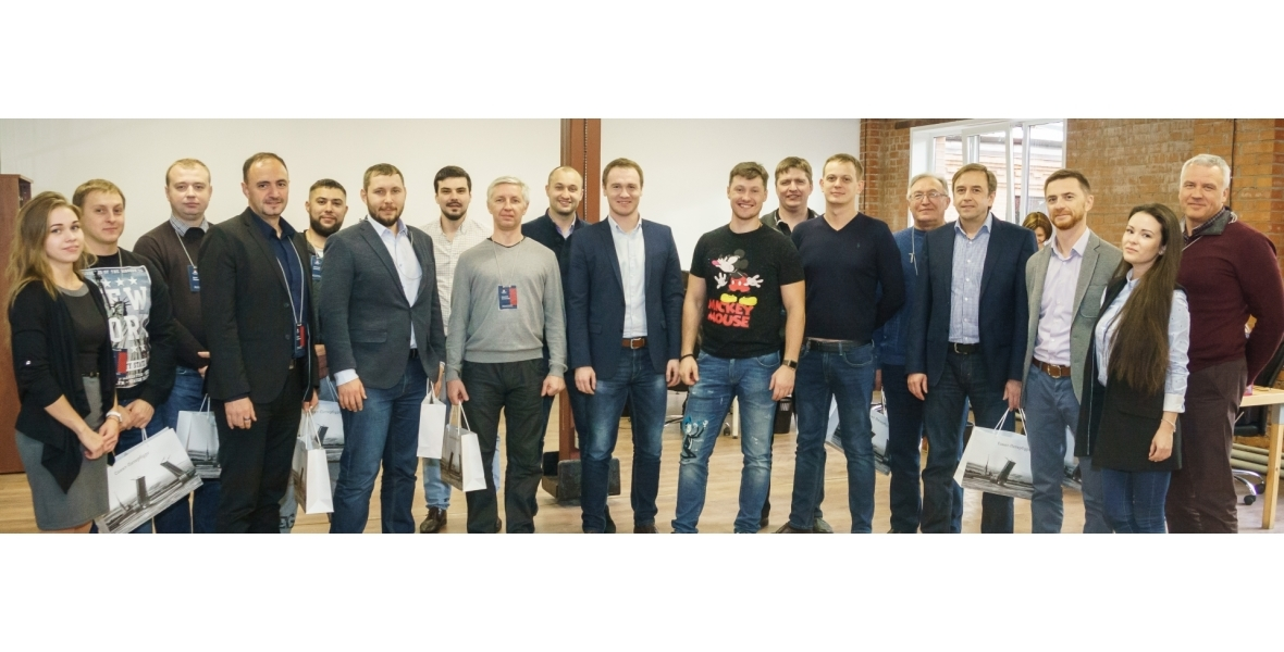 """Инвесторы Группы компании """"Персональное решение"""" в главном офисе в Санкт-Петербурге"""